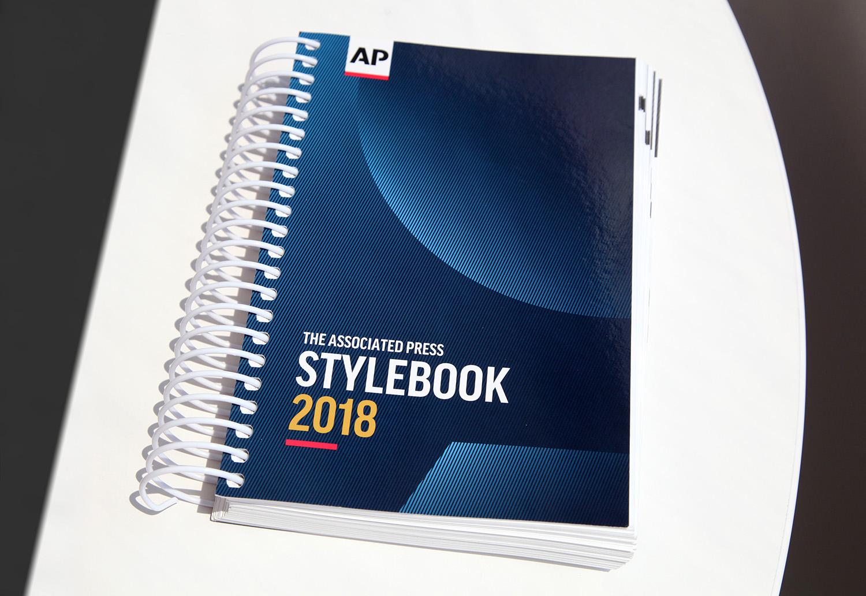 da3b0fbdbb 2018 AP Stylebook (print edition)